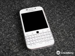 White BlackBerry Classic unboxing ...