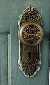 Antique door knob Diy Vintage Door Knob Handle Think Cut Of Door With Knobs Like This Pinterest 199 Best Vintage Door Knobs Images Old Doors Windows Doors Door
