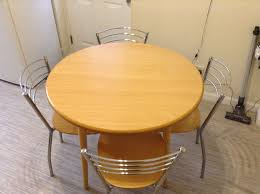 table 4 chairs round table 900 diameter