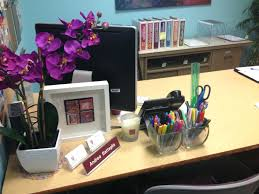 decorations for office desk. Decoration Office Desk Ideas Decorate To Your For Christmas Cute Ways Decorations