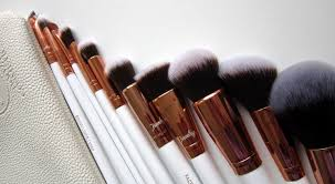 boozy cosmetics rosé golden jewelry 10 pc brush set mostglamour the best makeup brush set for