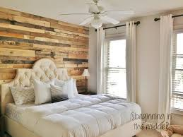 wood pallet accent wall ideas