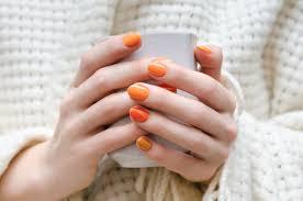 オレンジカラーの大人可愛いおすすめネイルデザイン おすすめ旅行を