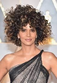 بالصور تسريحات شعر ومكياج النجمات في حفل جوائز الأوسكار