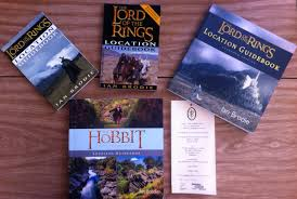 your adventure to middle earth new zealand or reminisce on your trip after you get home there are curly two versions of the book available for