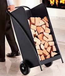 Für den winter brennholz kaufen, richtig stapeln und lagern — wir erklären, wie und wo man welches brennholz am besten lagert. Accessoires Fur Brennholz Korbe Regale Und Brennholz Wagen Living At Home