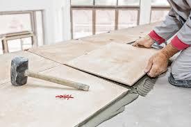 Fliesen selbst verlegen Anleitung und Tipps für den Boden