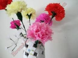 Paper Carnation Flower How To Make Carnations Making Leis How To Make A Carnation Flower