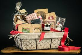 fromagination s wisconsin feast gift set