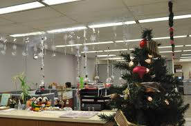christmas office theme. 42 Awesome Fun Office Decorating Ideas \u2013 Healydesigninc.com Themes Pics Christmas Theme N
