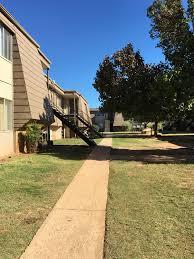 Building Photo Crestpark Apartmentscrestpark Apartments Rentals Oklahoma City Ok Apartments Com