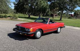 Out on the open road, acceleration is crisp and this luxury roadster handles like an absolute dream. 1987 Mercedes Benz 560sl Pj S Auto World Classic Cars For Sale