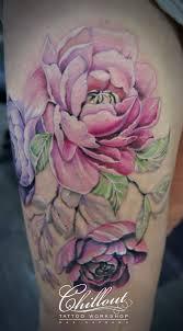 тату пионы в реализме Chillout Tattoo Workshop
