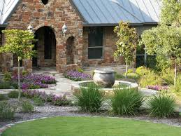 Beauty front Yard Landscaping Ideas for Ranch Style Homes - Erins Creative  Creations