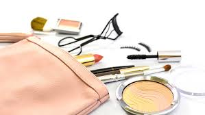looking in a s makeup bag is like looking into her soul everyone s bag is so diffe and it really says something about their personality