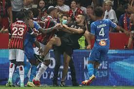 الدوري الفرنسي: تعليق مباراة نيس-مرسيليا بعد أحداث شغب على أرضية الملعب
