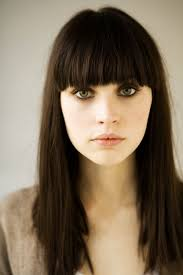 Hairstyles With Blunt Fringe Felicity Jones Bangs And Color Hair Makeup Pinterest