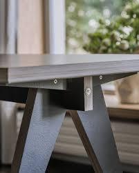 Der Tisch St Calipers Bd Von Swallows Tail Die Beine Erinnern An