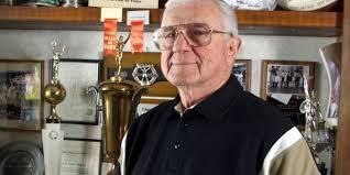 Hall of Famer Chuck Bednarik dead at 89