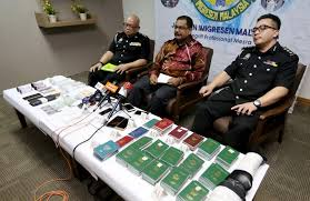 Immigration Fake Business Department Times Remanded 3 News New General Lifestyle Johor Sports Straits Malaysia Men Bust Passport Syndicate And