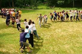 Los juegos recreativos se realizan en espacios abiertos y el principal fin es la interrelación entre los participantes. 15 Divertidas Actividades Para Hacer Con Ninos Al Aire Libre Gastandote Muy Poco