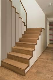 Diese anleitung zeigt, wie sie den stauraum unter der treppe besser nutzen und die schablone gibt die möbelmaße vor: 1 Problem 13 Losungen So Schaffen Sie Stauraum Unter Der Treppe