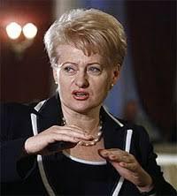 Президент с нетрадиционным окончанием По данным ЦИК убедительную победу одержала комиссар Евросоюза по финансам Даля Грибаускайте набравшая почти 70% голосов