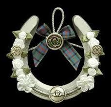celtic wedding traditions tie horseshoe to dress symbolizes going Wedding Horseshoe To Make this lovely traditional horseshoe would make a great statement at your irish wedding Horseshoes Game Wedding