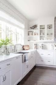 Best 25+ Modern kitchen white cabinets ideas on Pinterest   Modern ...
