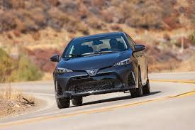 2017 Toyota Corolla Reviews and Rating | Motor Trend