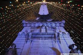 tree lighting indianapolis. Christmas Tree Lights At Monument Circle. Indianapolis Lighting