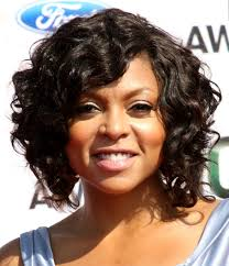 short curly hairstyles for black women with round faces