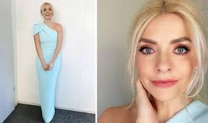 Dancing on ice fans have stepped in to defend holly willoughby after she was recently hit with ofcom complaints about her dress. Jeosxv44fbaclm