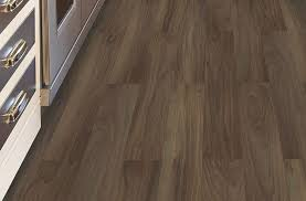 mohawk woodlands vinyl planks chocolate swirl