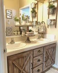 Lovely Bathroom Decor Ideas With Farmhouse Style 04 Idée Salle De Bain Décoration Salle De Bain Salles De Bains Rustiques
