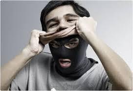 Resultado de imagem para o homem e as suas mascaras