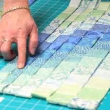 Best 25+ Bargello quilt patterns ideas on Pinterest | Bargello ... & Tutorial - Bargello quilt is ideal for beginner quilters. This is easy to  sew because the seams are straight. Usually, bargello quilt has many shades  of ... Adamdwight.com