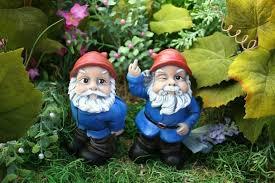cheap garden gnomes. Mooning Garden Gnome Cheap Gnomes