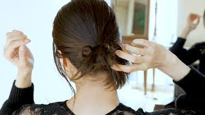 簡単ヘアアレンジ外国人風のまとめ髪どうやって作るmineマイン