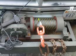 pierce 654 winch mounting pirate4x4 com 4x4 and off road forum my braden is an older style and includes it s own mounting legs but will give you an idea of how flipping the gearbox would work out
