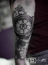 компас и карта на предплечье добавлено кирилл самарин