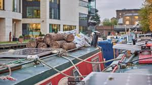 Pictures Of Houseboats Bbc Capital Why Young Londoners Are Moving To Houseboats