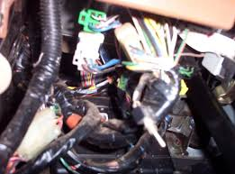 found a toggle switch page 2 suzuki forums suzuki forum site 95 geo tracker it is right under the steering column and coming out of the wiring harness sorry i didn t get this to you sooner but was on vacation