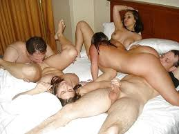 Couple having party pic sex