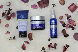 neal s yard frankincense intense organic beauty collection review really ree