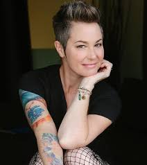 Kim Rhodes - Guys! We're deputizing you into our Wayward AF posse. You know  what the fuck to do. Let's do this… and help New Leash on Life, USA!  http://bit.ly/WaywardCharms_KRFb | Facebook