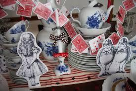 Alice In Wonderland Decoration Similiar Alice In Wonderland Decorations Keywords