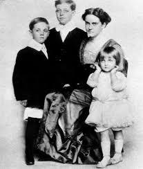 File:Carole Lombard family.jpg - Wikimedia Commons