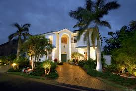 nitelites outdoor lighting franchisephoto of home in florida with energy efficient low voltage lighing from nitelites