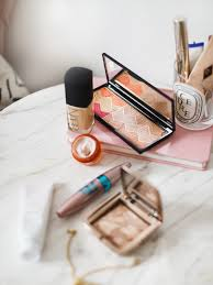 i ve had more than a few questions on my daily makeup routine lately head doubles in size so i thought i d do a little rundown on my everyday favourites